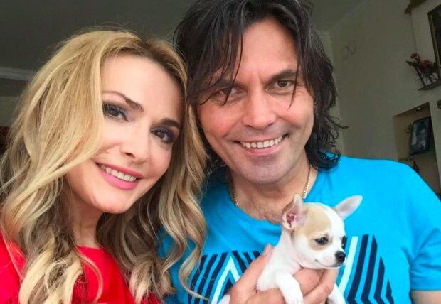 Ольга Сумська показала, як трепетно відсвяткувала Старий Новий рік: мідії, чоловік, красуня-донька і милі песики