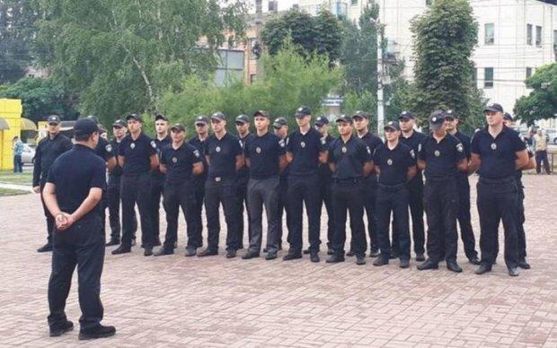 Декоммунизация, говорите: в Кропивницком копы почтили память чекистов