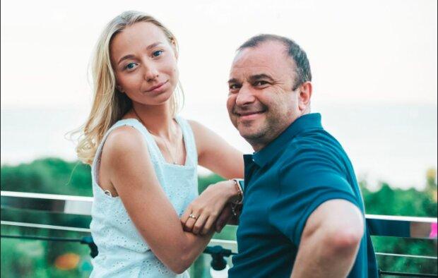 """Виктор Павлик построил планы на беременную Репяхову: """"Буду на иждивении жены"""""""