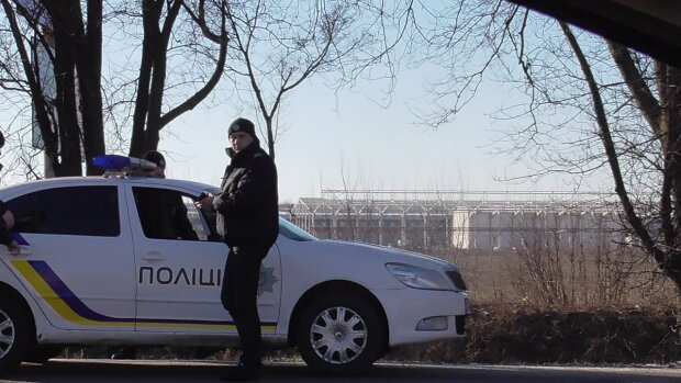 У Києві криворукі злодії намагалися поцупити дроти з лікарні. Добром не скінчилося, фото