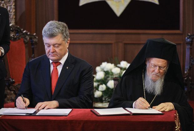 Тайная договоренность Порошенко с Варфоломеем рассекречена: за что экс-президент обещал 28 миллионов