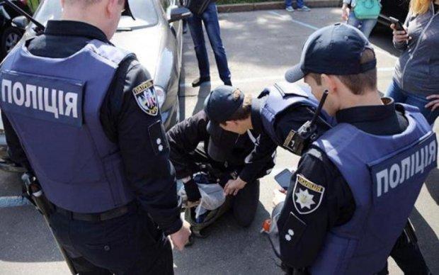 Масова бійка на київському вокзалі переросла в стрілянину: що відомо