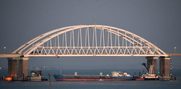 Путин заставил бросить якорь в Керчи свыше 140 судов