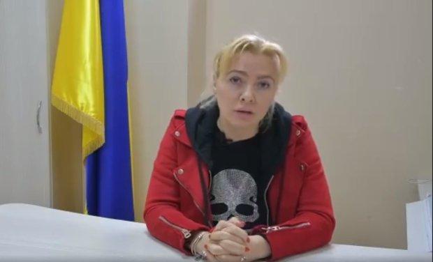 Вагітна директорка стадіону в Ірпені заявила, що її звільнили за відмову агітувати за Порошенка