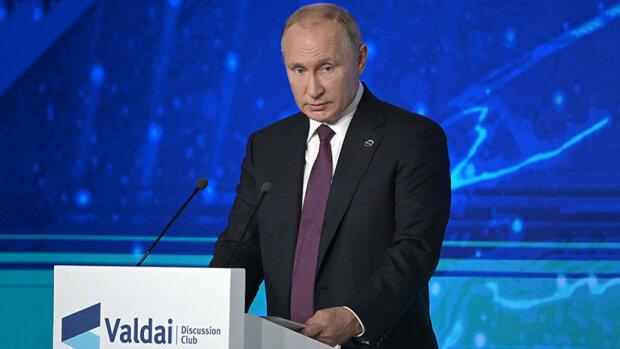 """Путін раптово """"записався в друзі"""" до Зеленського, поведінка налякала всіх: """"У діда роздвоєння особистості"""""""