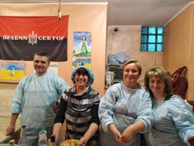 """Тернополяне напомнили украинским военным о доме горячими варениками: """"На здоровье, ребятки!"""""""