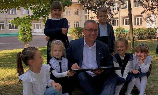 """Политик из Тернополя променял мандат на школьный журнал: """"Это мое призвание"""""""