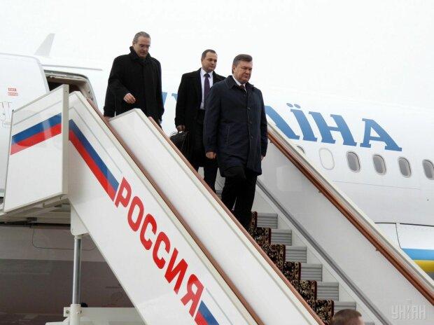 Адвокат описав долю Януковича після повернення в Україну: в'язниця чи спокійне життя