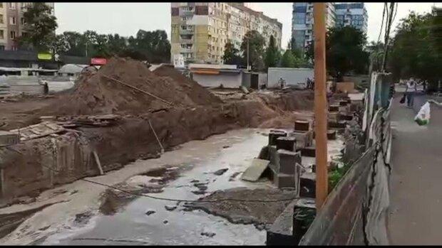 Коммунальщики Филатова заставили днепрян нюхать канализацию - вонь на весь город