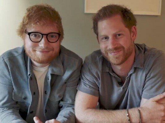 """Эд Ширан встретился один на один с принцем Гарри, похожи на клонов: """"Как будто смотрю в зеркало"""""""