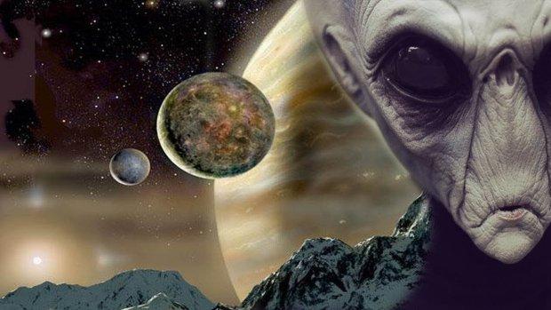 Їх багато, у них своя база і вони не ховаються: земляни готуються до зустрічі з мешканцями Місяця