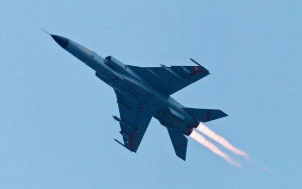 Границу между Россией и Донбассом перекроют военные истребители
