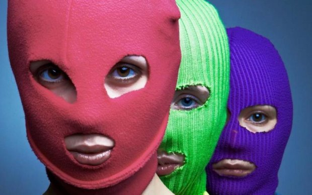 Романи з владою не бувають красивими: Pussy Riot відповіли на арешт новим кліпом