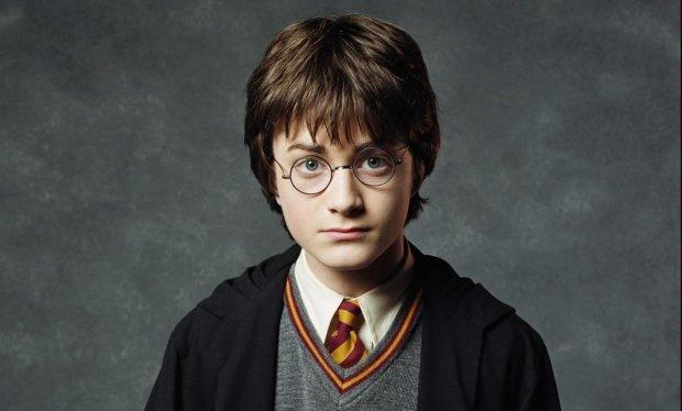 Гарри Поттер возвращается: Джоан Роулинг назвала дату выхода новых книг о волшебнике