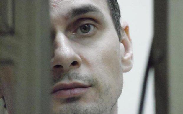 Відмовлять внутрішні органи: адвокат розповів правду про стан Сенцова