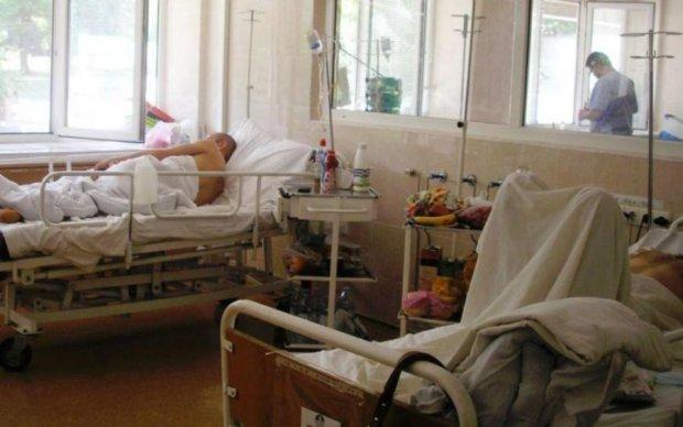 Медреформа: кто заменит пенсионеров в украинских больницах
