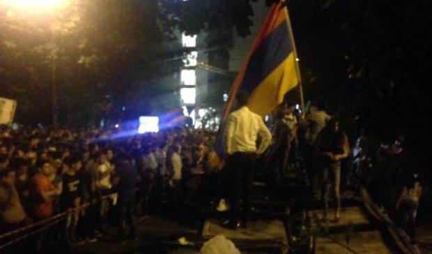 Протести у Вірменії відбуваються вже у п'яти містах