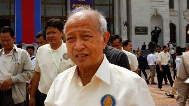 Принц Камбоджі врізався у вантажівку з гноєм