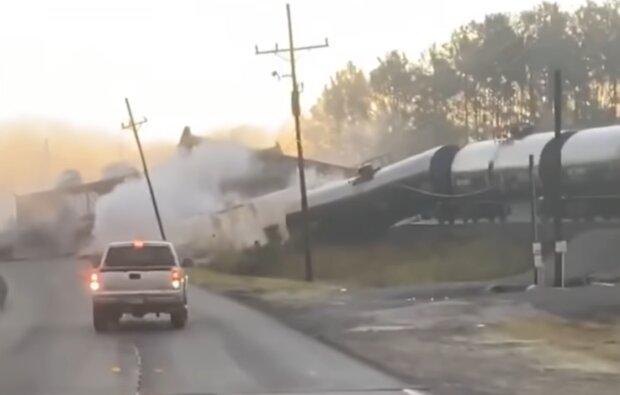 Поезд сошел с рельсов в Техасе, фото: кадр из видео