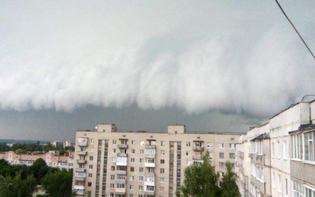 Погода на 29 серпня: дощі крокують до сходу