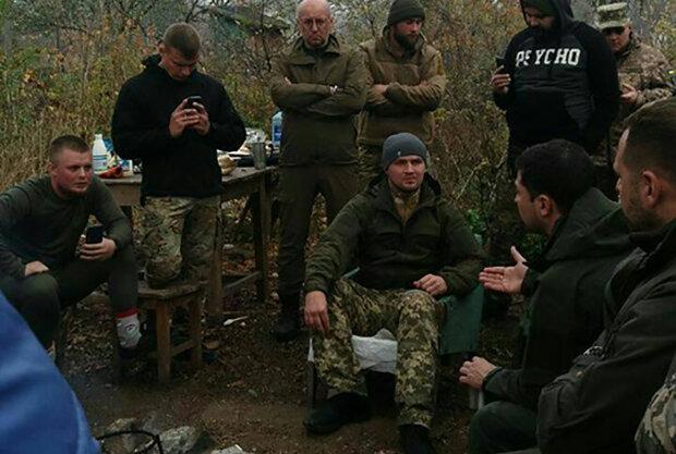 Головне за день суботи 26 жовтня: конфлікт Зеленського із військовим в Золотому, отруйний смог у Києві і допомога для Заворотнюк