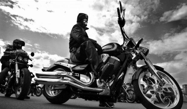 Киевские байкеры грабят автомобилистов
