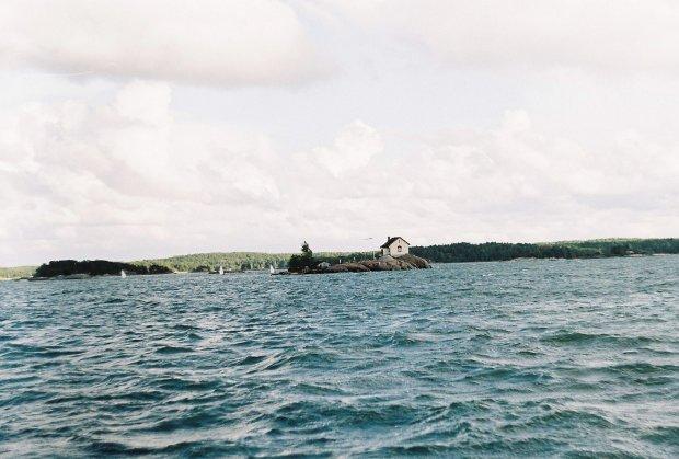 Яхта з тонною кокаїну перекинулася на Дунаї: рекордна партія наркотиків осіла на дно річки