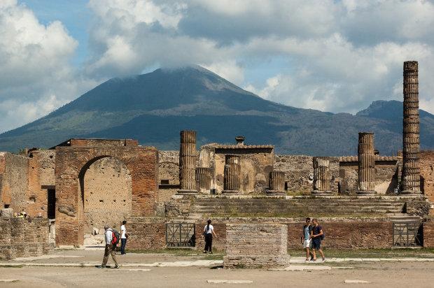 Перевернула историю и предотвратит катастрофу: сенсационная находка в Помпеях потрясла мир