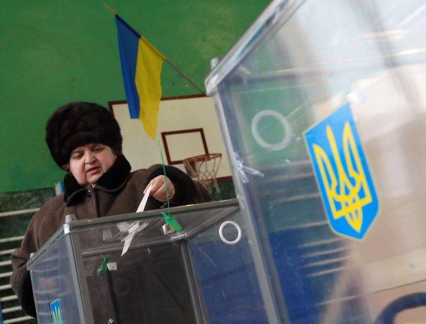 """Украина потеряла трех кандидатов в президенты: как """"укоротили"""" избирательный бюллетень"""