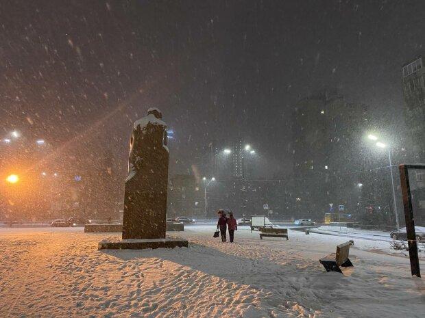Киев засыпало снегом, фото: Знай.иа