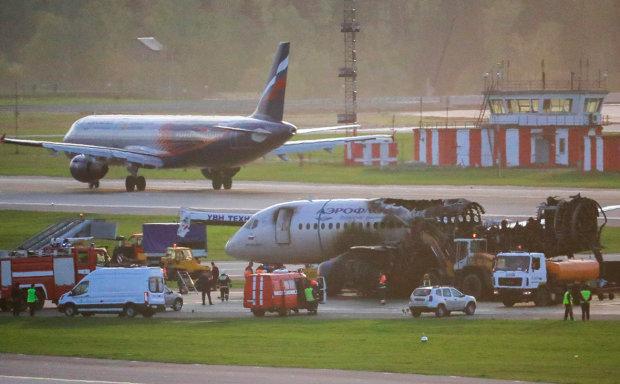 Шереметьево в дыму: Superjet совершил аварийную посадку, люди боятся повторения трагедии