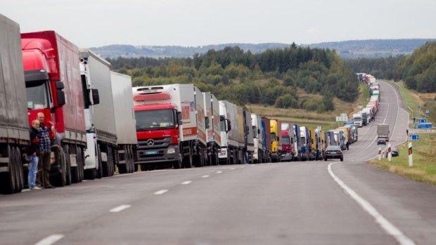 Летом украинских водителей ждет обновление ПДД: ездить будем ночью
