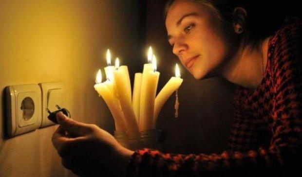 Ціни на свічки в знеструмленому Криму зросли вдесятеро