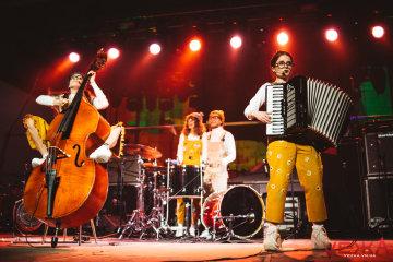 """KAZKA плачет, """"ЦеШо"""" – ненавидит: группа показала песню для Евровидения, дикая энергетика"""