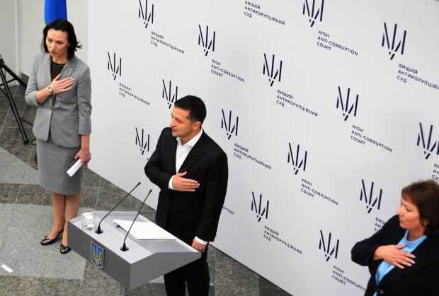 """Зеленський виступив з пафосною промовою на запуску Антикорупційного суду: """"Перед вами великий..."""""""