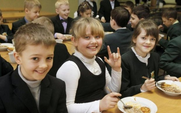 Меню ученика: чем кормить ребенка в школе и дома