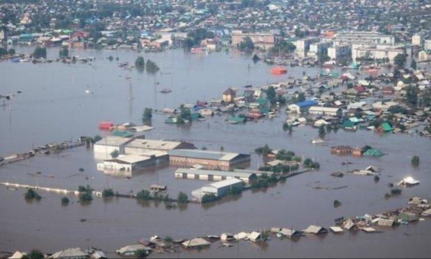 Целый регион уходит под воду: стихия спровоцировала страшное, тысячи людей срочно эвакуируют