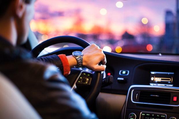 Водії втратять авто через депутатів: перевірки, як у Європі