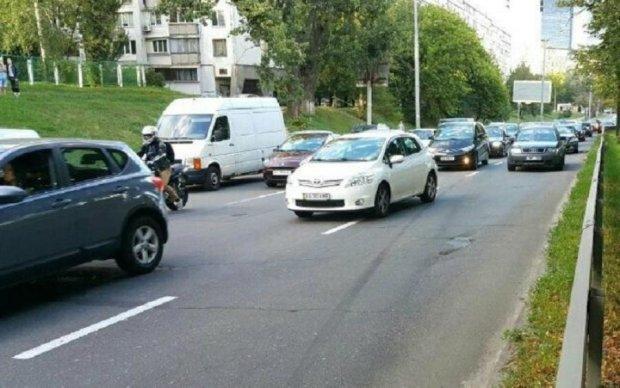 Розірвало на шматки: у Києві сталася жахлива ДТП