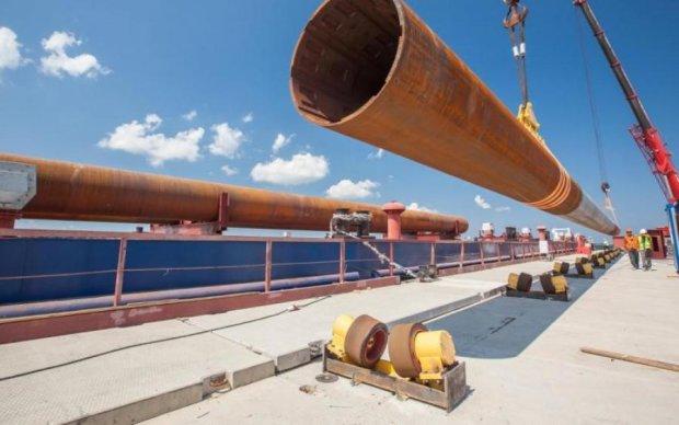 Полный автобус строителей Керченского моста рухнул в море