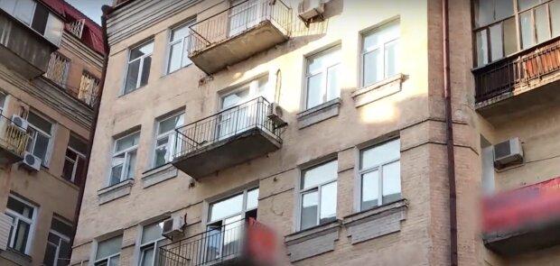 У Києві нелегальний хостел працює в розпал карантину під носом у поліції, Кличку плювати