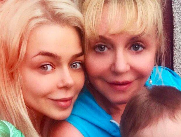 Гросу вразила схожістю з мамою, розкішні блондинки: як дві краплі