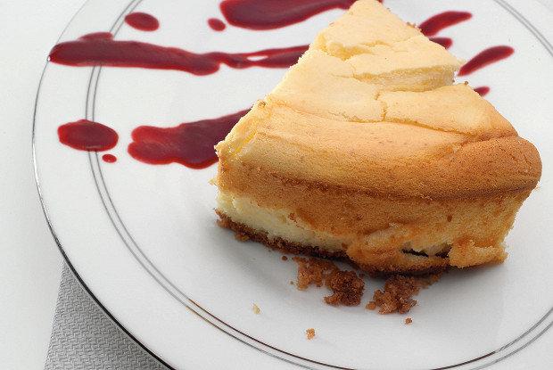 Пальчики оближеш: сирний пиріг з вершковим сиром