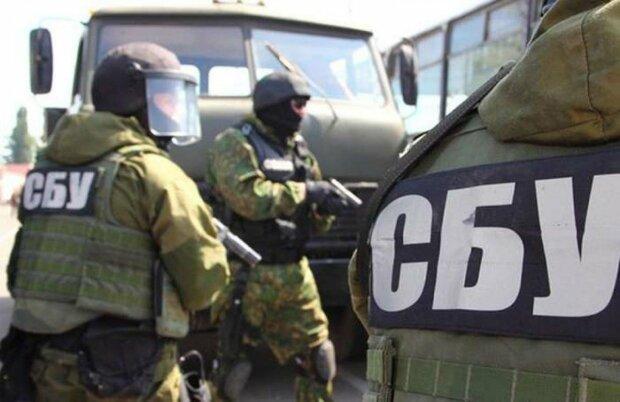 Зливали військові таємниці Путіну: у Франківську накрили банду хакерів, продали Україну за рублі