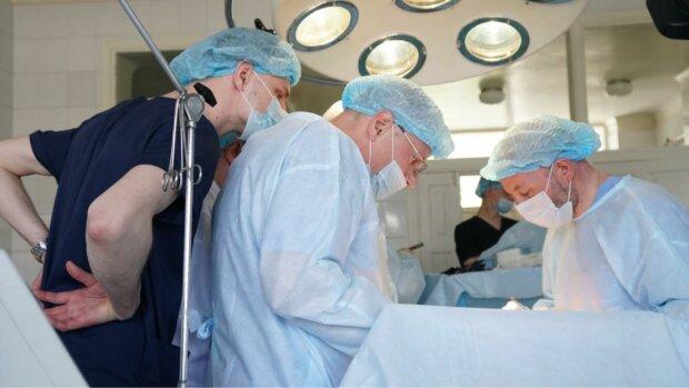 На Волині провели надскладну операцію, фото: Уніан