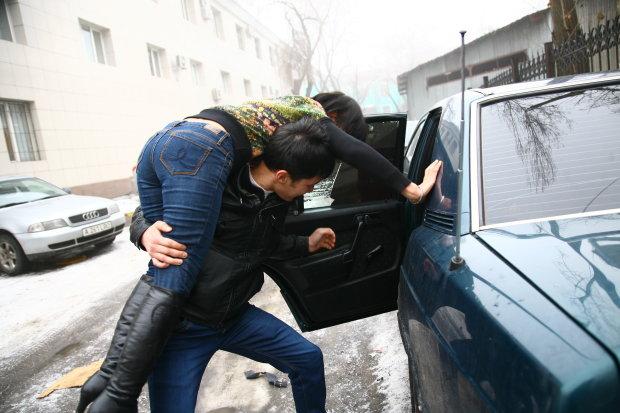 Похищение девушек в Киеве: новые детали заставили копов остолбенеть