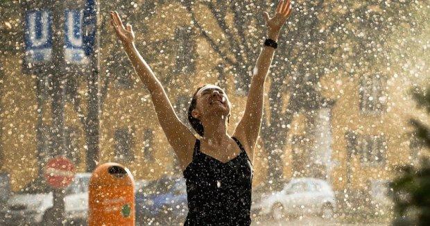 Погода в Украине передумает: синоптики предупредили о резких изменениях, будет шипеть асфальт