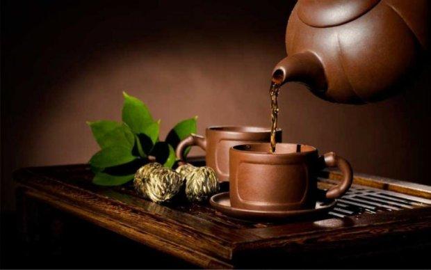 Названо найкорисніші добавки до чаю