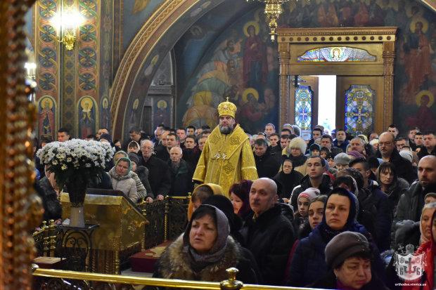 """Еще 12 священников сбежали из УПЦ МП в церковь """"здорового украинца"""""""