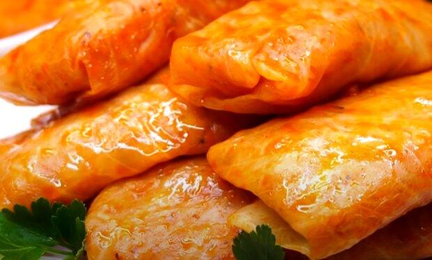 Соковиті голубці під шубою з сиру - улюблена страва українців за оригінальним рецептом
